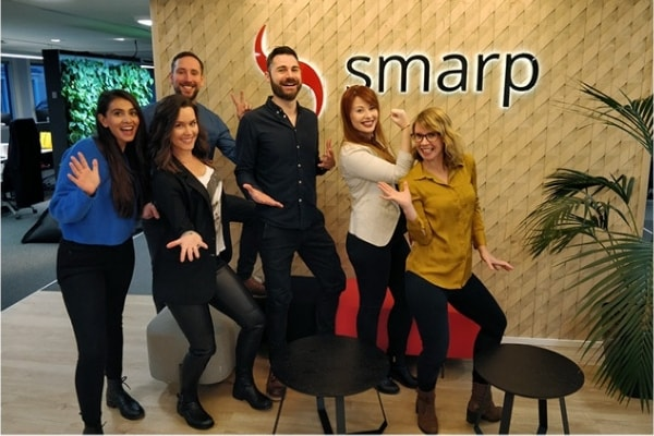 get-expertise-from-our-dedicated-customer-service-managers-at-smarp-min