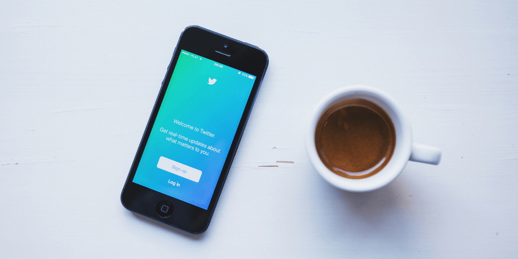 Social recruiting on Twitter